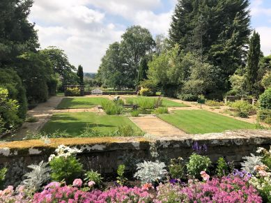 mallory-court-garden-cotswolds-concierge (2)