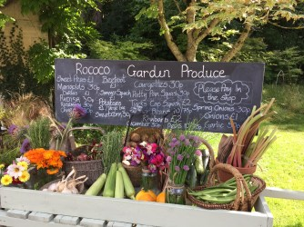 painswick-rococo-garden-summer-cotswolds-concierge (29)