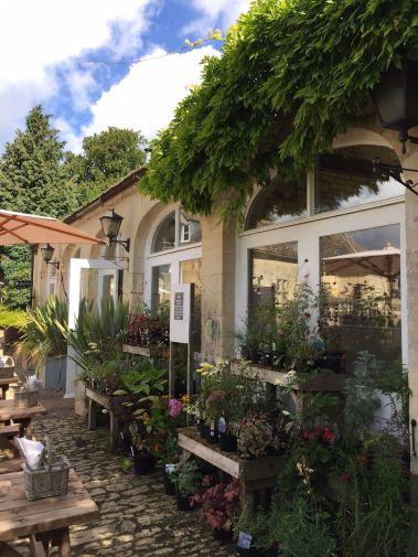painswick-rococo-garden-summer-cotswolds-concierge (33)
