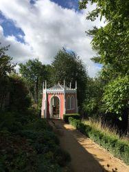 painswick-rococo-garden-summer-cotswolds-concierge (53)