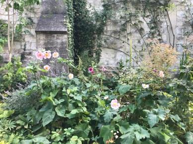 painswick-rococo-garden-summer-cotswolds-concierge (8)