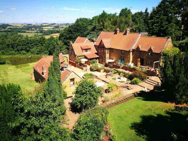heath-farm-holiday-cottages-cotswolds-concierge (34)