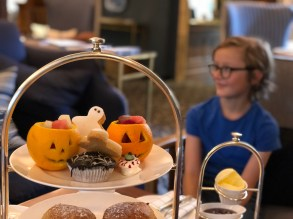 halloween-afternoon-tea-lygon-arms-cotswolds-concierge (15)