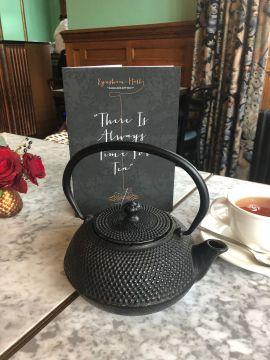 festive-afternoon-tea-eynsham-hall-cotswolds-concierge (1)