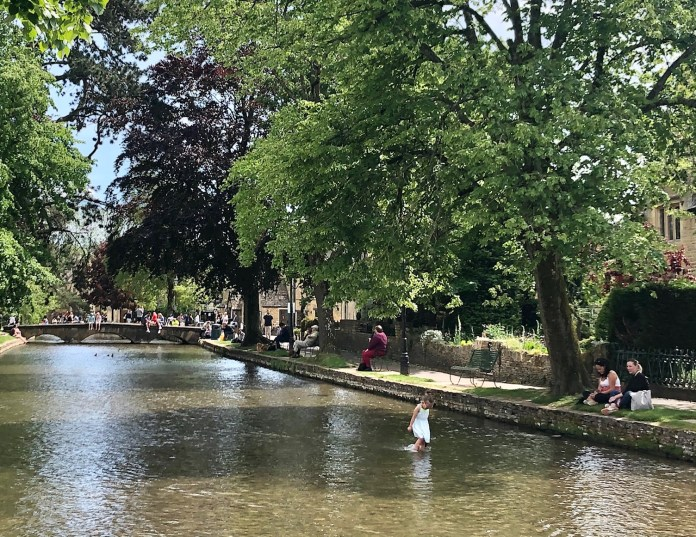 bourton-on-the-water-fun-cotswolds-concierge (4)