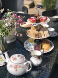 vintage-afternoon-tea-delivery-cotswolds-concierge (4)