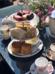 vintage-afternoon-tea-delivery-cotswolds-concierge (5)