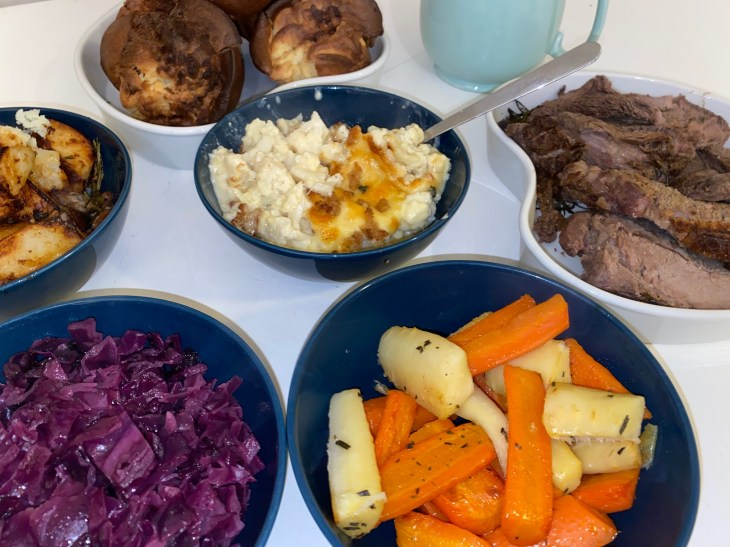 family-sunday-lunch-takeaway-suffolk-arms-cotswolds-concierge (13)