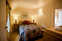 Little Orchard Cottage double bedroom with en-suite