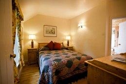 Little Orchard Cottage double bedroom with en-suite