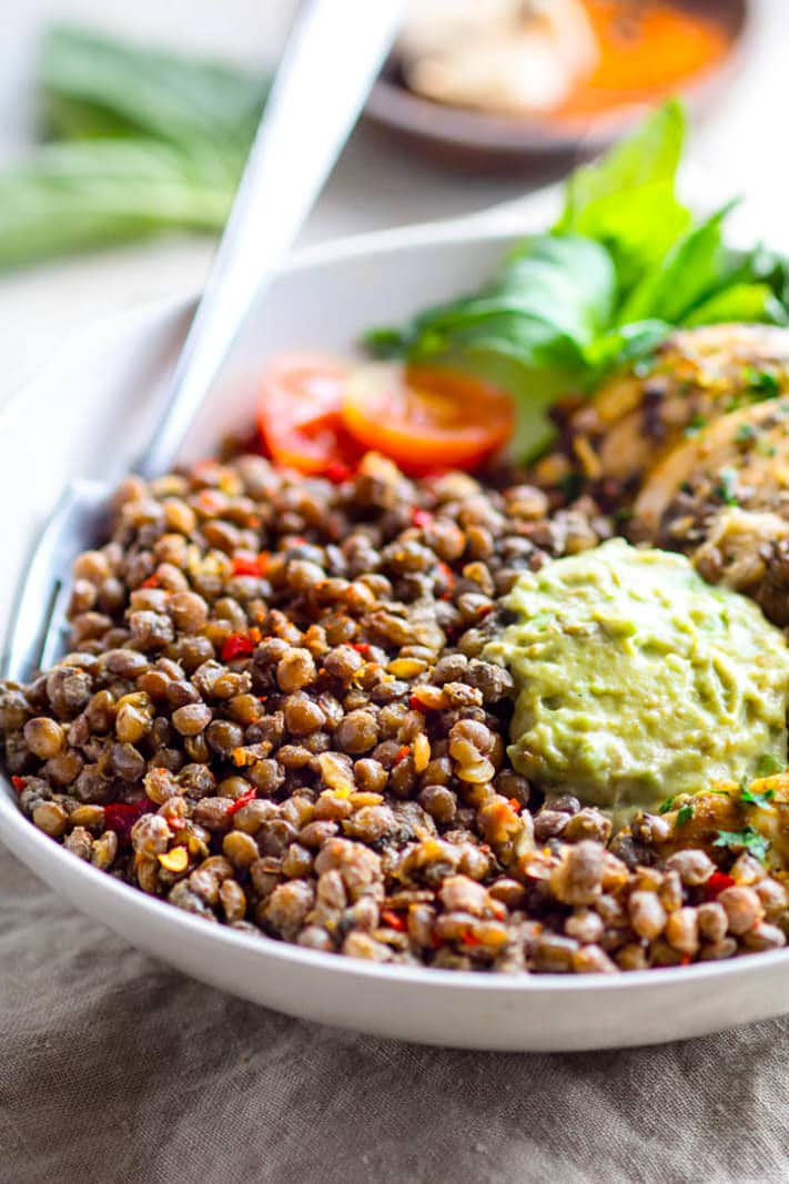Simple Garlicky Green Crock-Pot Chicken and Lentils! A FLAVORFUL and fresh gluten free crock-pot chicken recipe that's packed full of fiber, nutrients, and protein. Easy to make in the crock-pot, healthy, and great for meal prep or family dinners made easy!