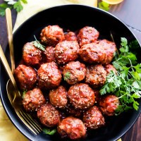 Sweet and Spicy Sriracha Paleo Meatballs