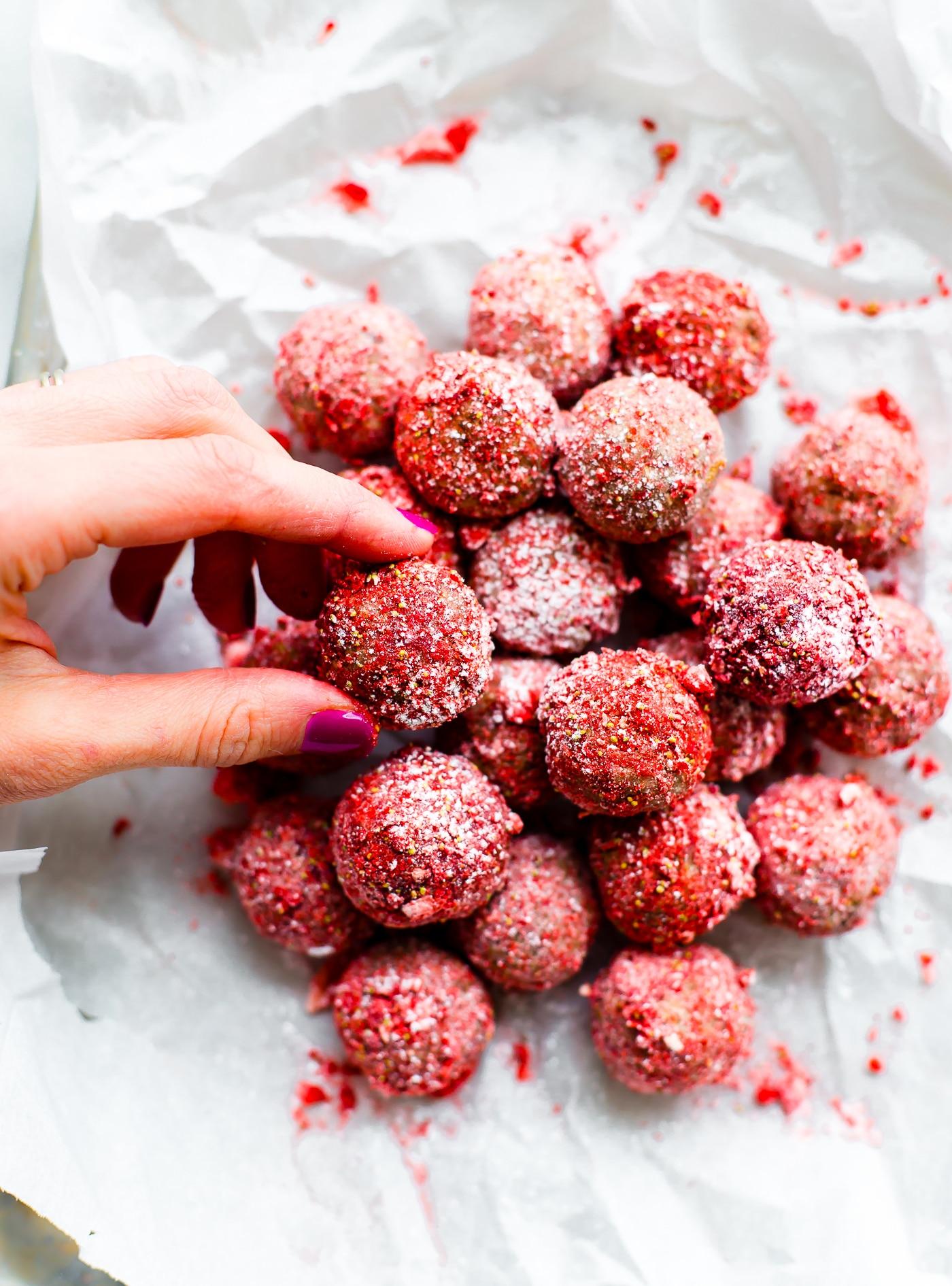 Strawberry Vegan Crunch Cake