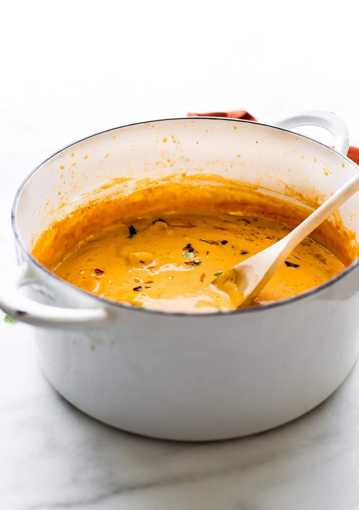 This creamyroasted red pepper bisquewith Shrimp is dairy free, paleo, and totally delicious! A spicybisque with healing immunity boosting nutrients. Perfect for cold weather or under the weather! Also a great way to get veggies into your meal. Nourish your family, feed your friends, or enjoy thisrobust roasted red pepper bisque recipe all to yourself. Whole 30 compliant.!