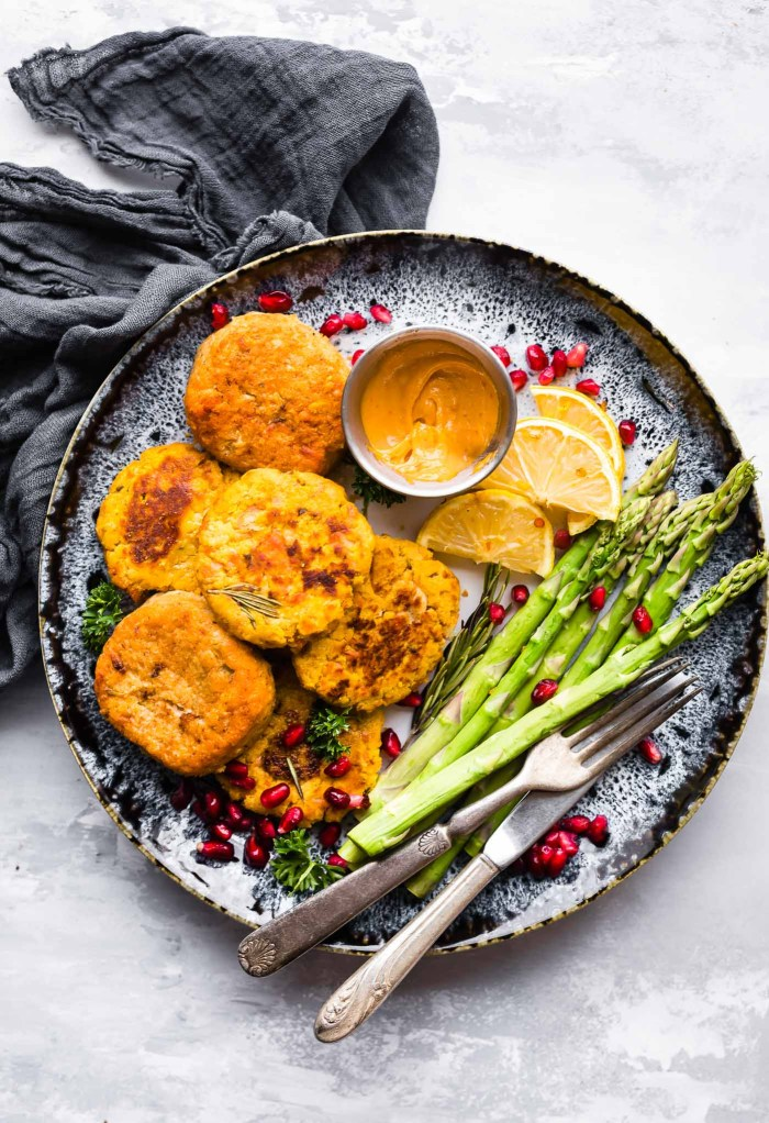Paleo Salmon Cakes are quick,easy to make, delicious meal or appetizer! These Salmon cakes are literally veggie packed and protein packed, not to mention whole30 friendly.No wasting leftovers here, just mix and throw on the skillet. Great for meal prepandfreezer friendly.