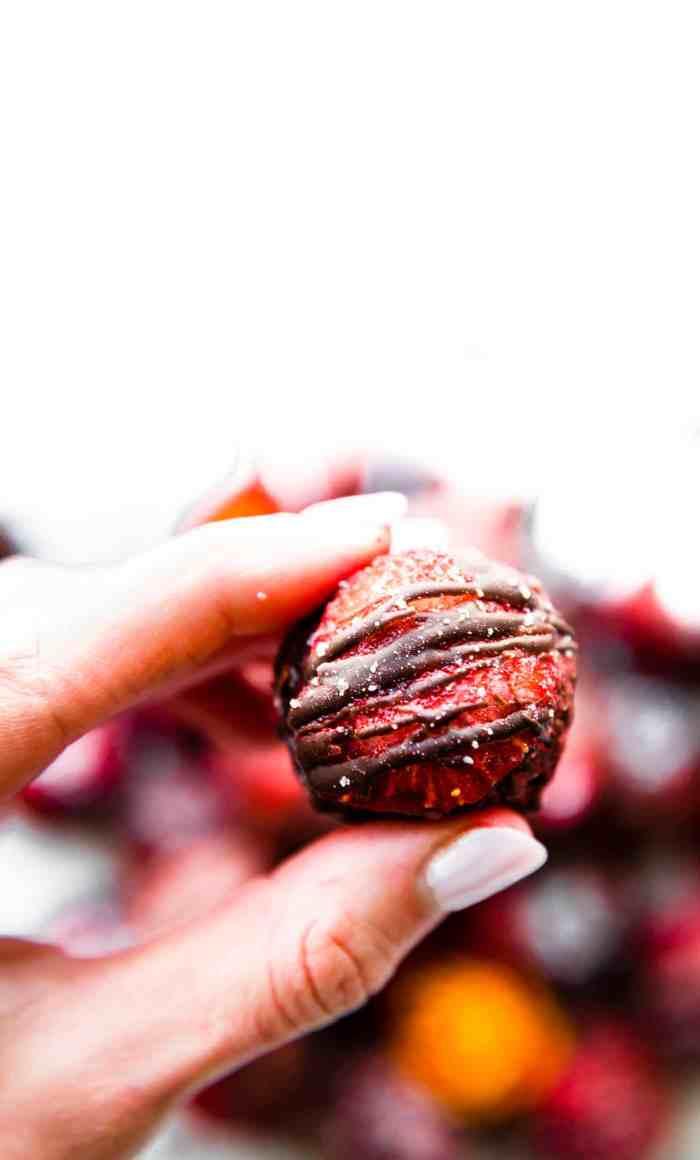 strawberry brownie bites