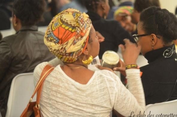 turban tight foulard attaché