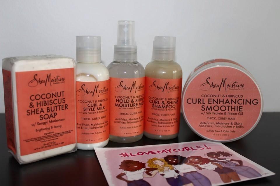 Produits de la gamme Shea Moisture dans la première édition de Love my Curls. Photo prise ici
