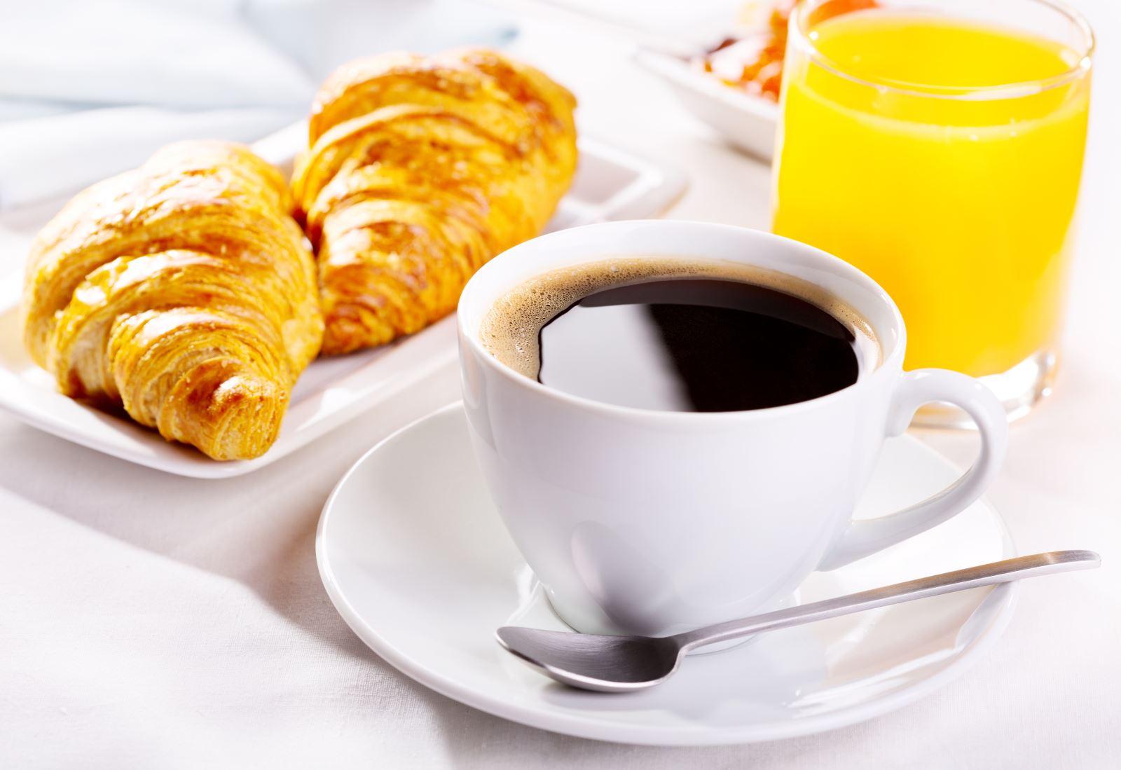 Petit-déjeûner à la française testé et approuvé au café Broglie (Strasbourg) par The chick list