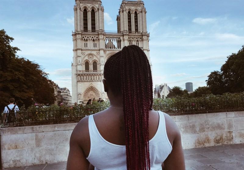 ce qu'il faut savoir sur les salons de coiffure afro avant d'y aller se faire tresser