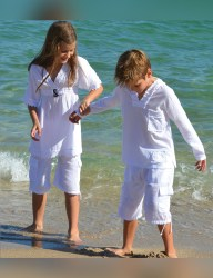 Girls V-Neck topcover up with a wood buckle 2 - Cotton Natural