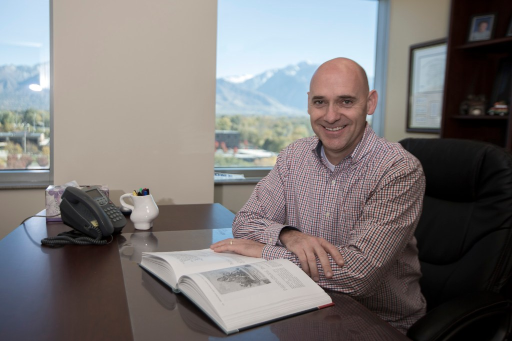 Doctor Thackeray Cottonwood OBGYN Utah Gynecologist