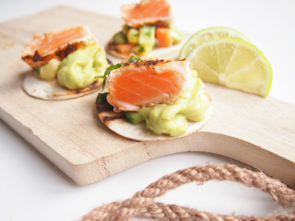 Fingerfood_Lachs_Guacamole_Tacos