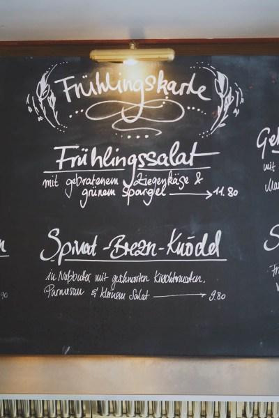 trachtenvogl restaurant essen gehen muenchen foodguide coucoubonheur