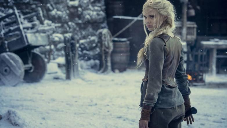 Freya Allan nue - Ciri - Witcher Netflix