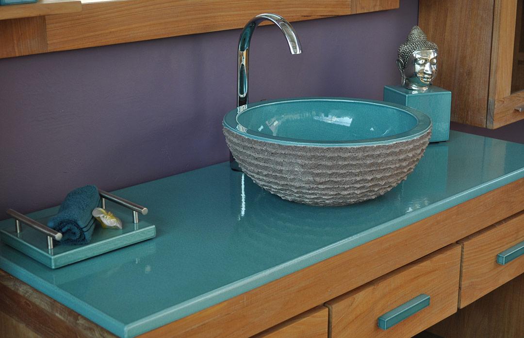 salles de bains en pierre de lave emaillee