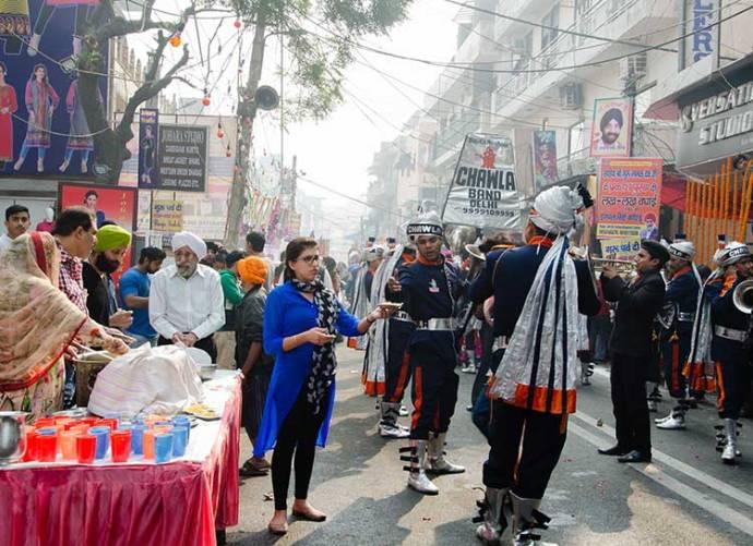 Band wallahs march during a procession. Photo courtesy: Sadia Akhtar