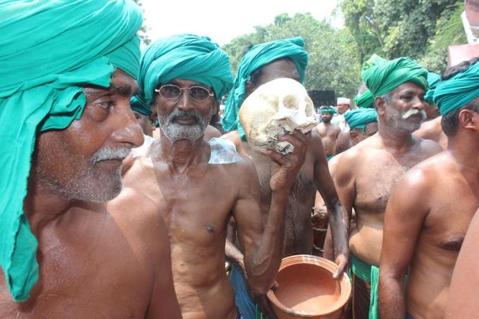 Drought affected farmers of Tamil Nadu protesting with the skulls and bones of fellow farmers who committed suicide