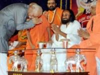 Sri Sri Ravi Shankar As 'Mediator' In Ayodhya Mosque Demolition Case! Congress Once Again Falls Into The Hindutva Trap