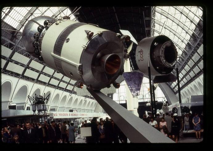 pavilion-space-exhibition-soviet-achievements-moscow-6