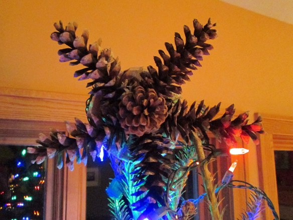 Pinecone tree topper