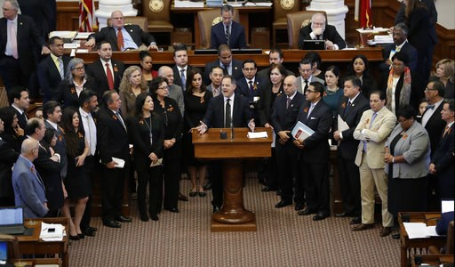 Texas House OKs 'sanctuary city' ban with tough jail penalty_336099