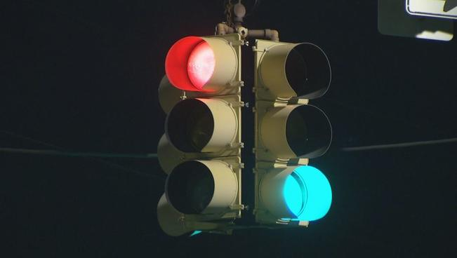 Red+Light+Green+Ligh+Generic+Traffic+Light+Ridge+Avenue_1527606483531.JPG