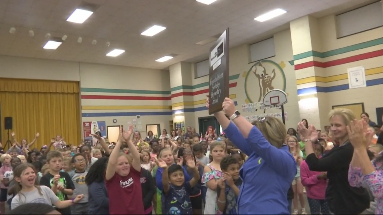 Berkeley Elementary School receives  News 2 Cool School award