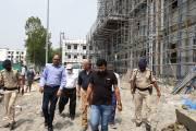 जिलाधिकारी मुजफ्फरपुर डॉ० चंद्रशेखर सिंह ने आज एस०के०एम०सी०एच  परिसर में बन रहे पीकू(PICU) भवन का निरीक्षण किया