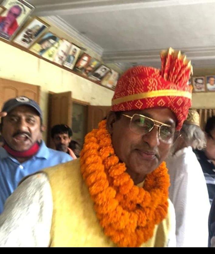 पटना / प्रधानमंत्री मोदी ने अपने विशेषाधिकार  के साथ जिस तरह धारा 370 को जम्मू कश्मीर से खत्म कराये , उसी तरह हिंदी को राष्ट्रभाषा घोषित करें- डॉ. अनिल सुलभ, अध्यक्ष