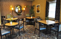 Dining at Country Meadows of York-West