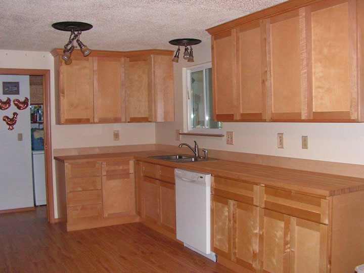 Photo Gallery - Butcher Block Countertops   Stair Parts ... on Maple Countertops id=83171