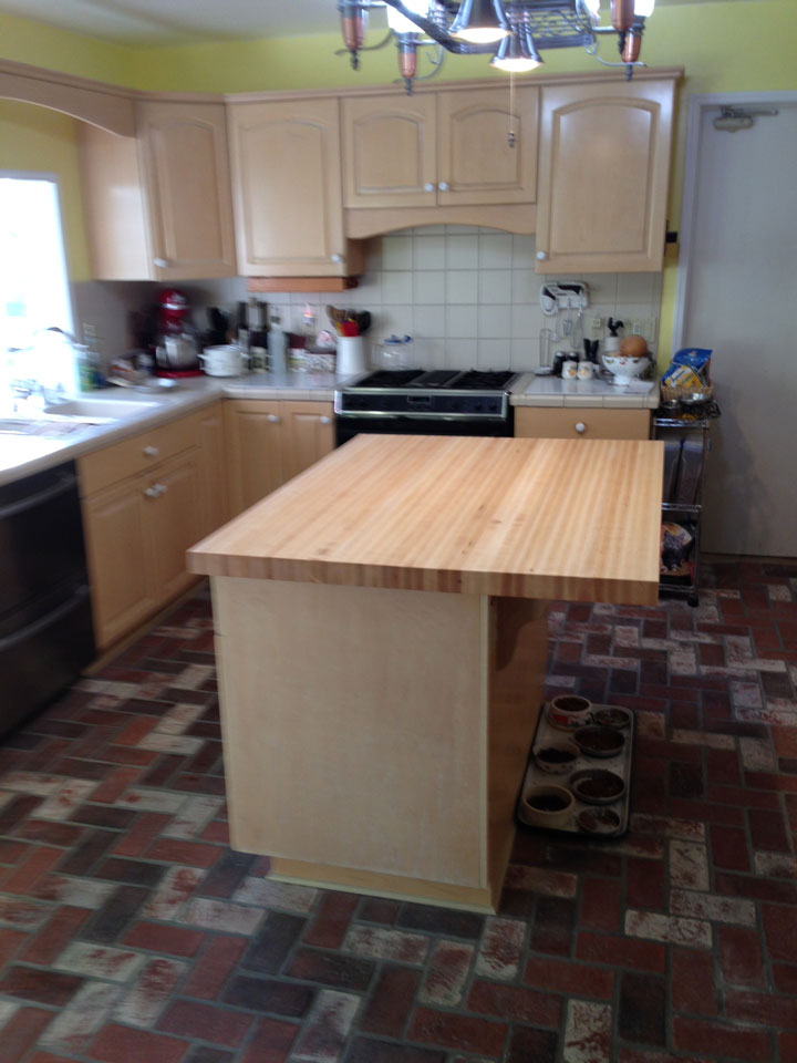 Photo Gallery - Butcher Block Countertops   Stair Parts ... on Maple Countertops id=24585
