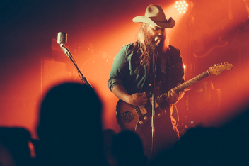 Chris Stapleton on Country Music News Blog