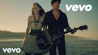 Thompson Square – Are You Gonna Kiss Me Or Not Thumbnail