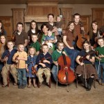 Duggar family, all 20 of them, to ride in Dolly Parton Homecoming Parade