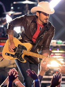 Brad Paisley ends American Saturday Night with a bang