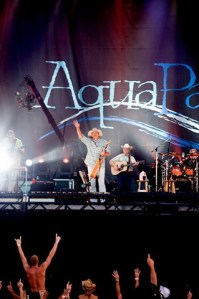 Brad Paisley to headline AquaPalooza 2010