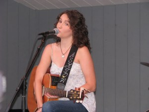 Ashton Shepherd entertains crowd At Bristol's (Tenn.) Steel Creek Park