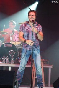 Danny Gokey's glasses land him a television commercial